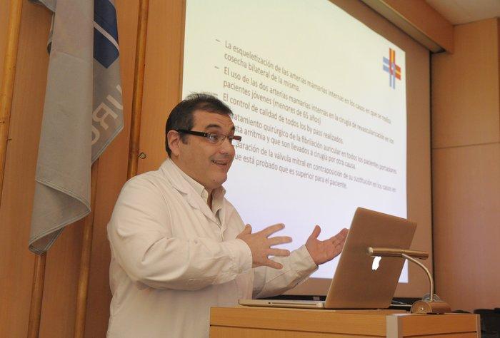 Unidad de Cirugía Cardíaca de la Asociación Española realizó ateneo con cardiólogos clínicos de la Institución