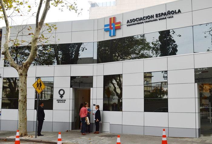 La Asociación Española inauguró Espacio Mujer para una atención integral y personalizada