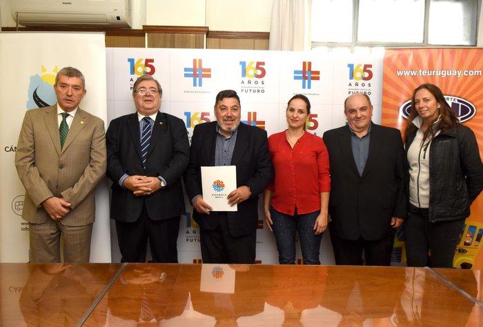 Española Móvil y Transporte Escolar Unido firman acuerdo estratégico