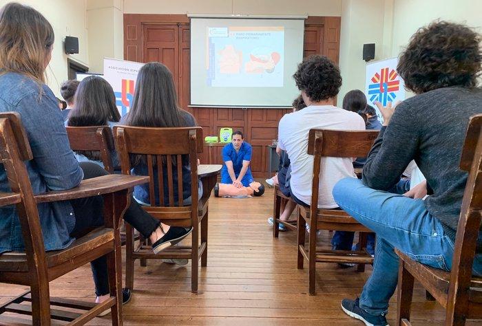 La Española capacitó a liceales en Reanimación Cardio-Pulmonar